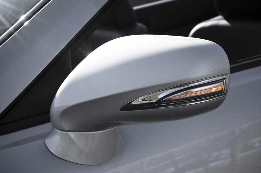 2011 Lexus IS C 17