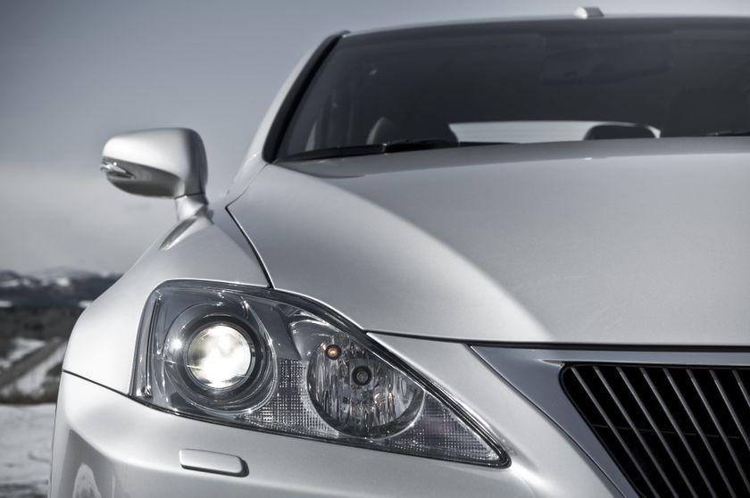 2011 Lexus IS C 15