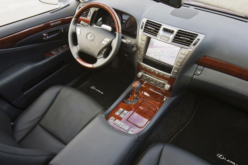 2011 Lexus LS460 09