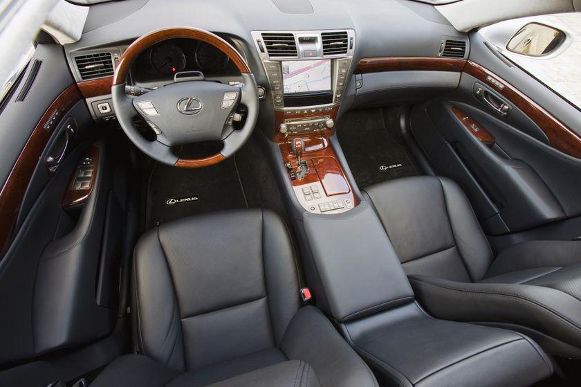 2011 Lexus LS460 08