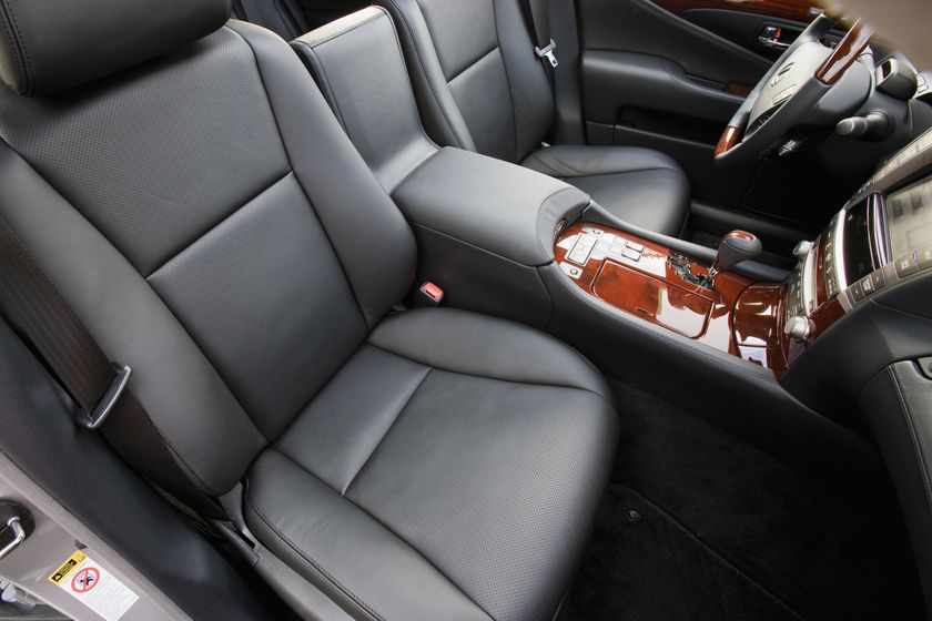 2011 Lexus LS460 11