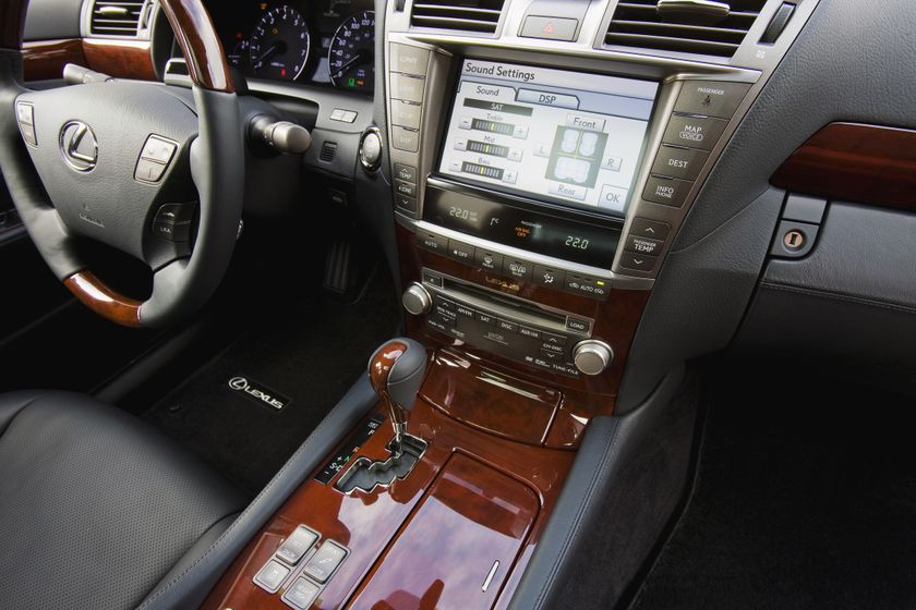 2011 Lexus LS460 19