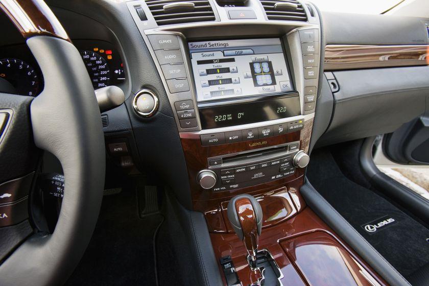 2011 Lexus LS460 20
