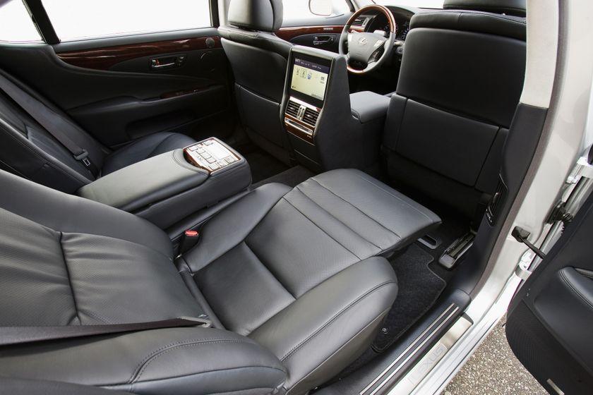 2011 Lexus LS460 29