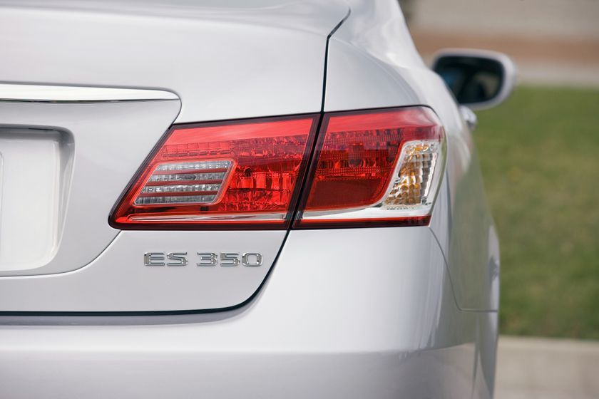 2011 Lexus ES350 31