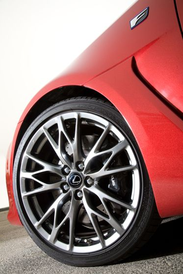 2011 Lexus IS F 17