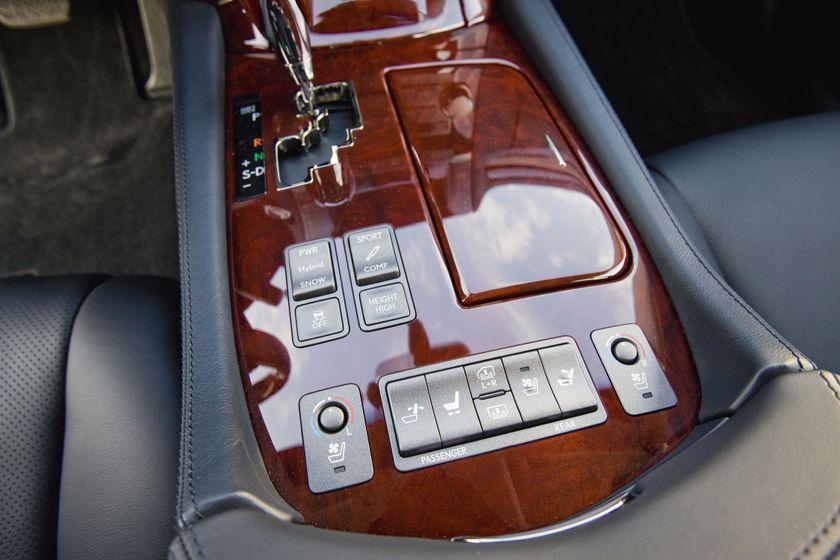 2011 Lexus LS 600h L 35