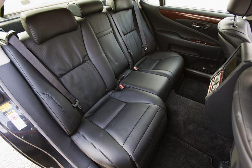 2011 Lexus LS 600h L 27