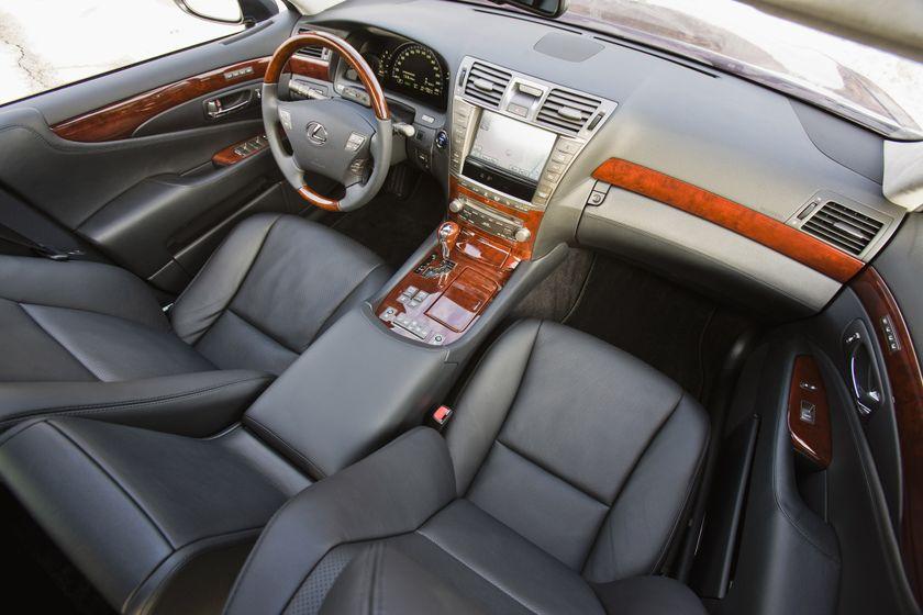 2011 Lexus LS 600h L 22