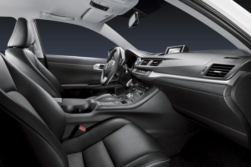 2011 Lexus CT200h 22
