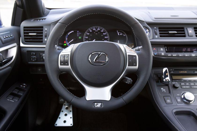 2012 Lexus CT 200h F-Sport 17