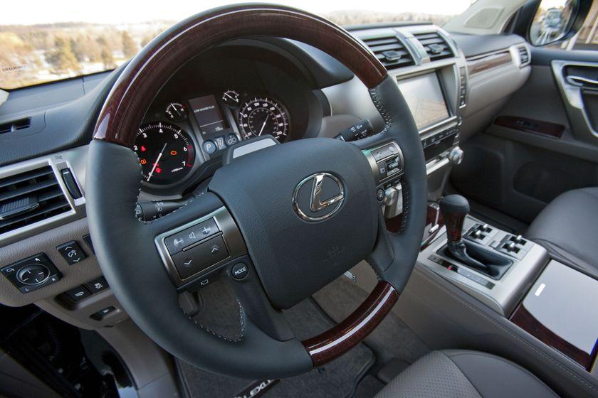 2012 Lexus GX 460 32