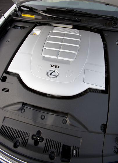 2012 Lexus LS 460S 18