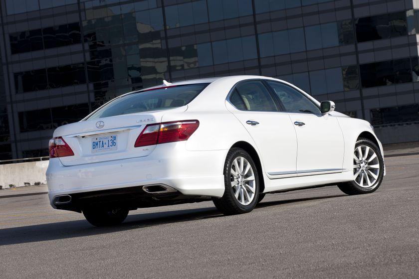 2012 Lexus LS 460S 11