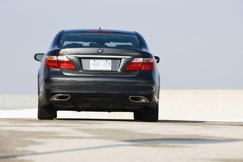 2012 Lexus LS 600h 17