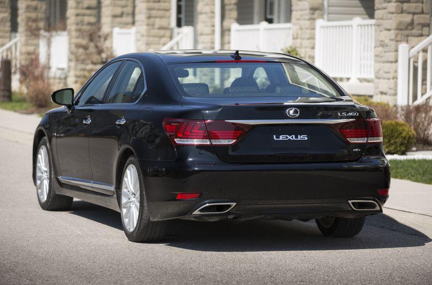 2013 Lexus LS460 16