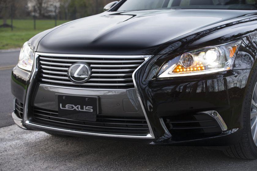 2013 Lexus LS460 26