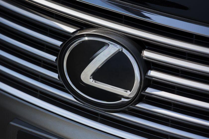 2013 Lexus LS460 28
