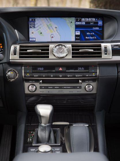 2013 Lexus LS460 37