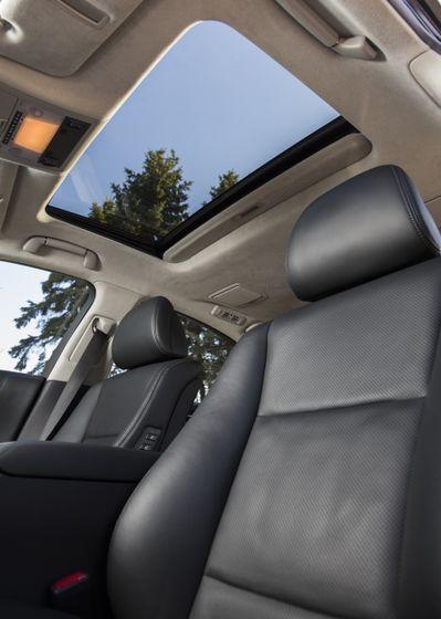 2013 Lexus LS460 43