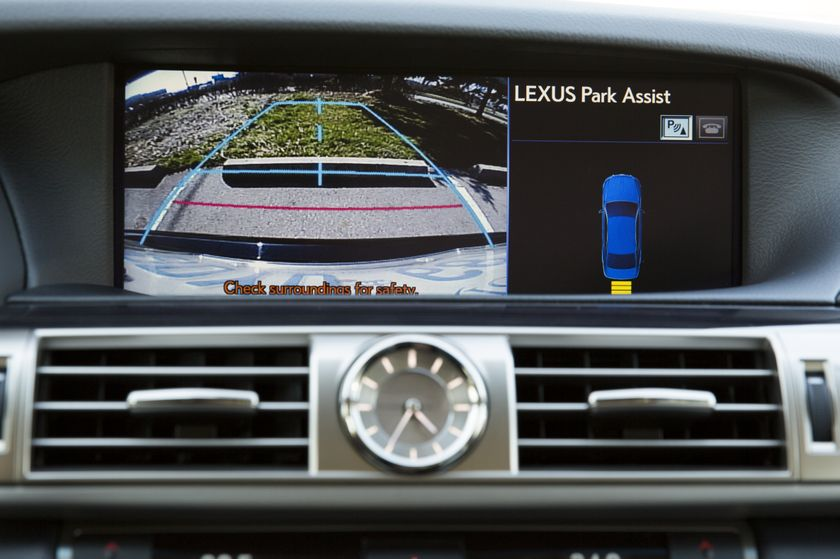 2013 Lexus LS460 44