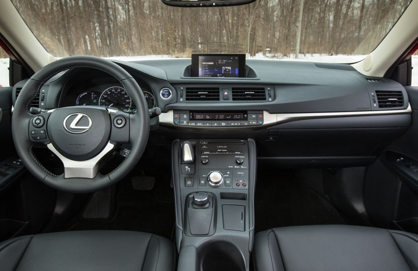14-16 Lexus CT200h 26
