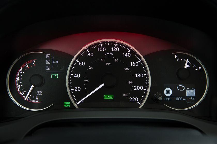 14-16 Lexus CT200h 28