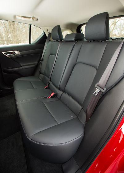14-16 Lexus CT200h 33