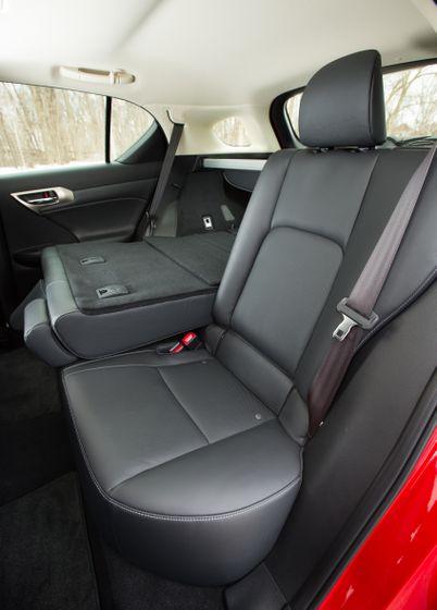 14-16 Lexus CT200h 34