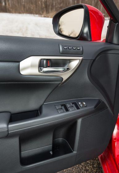 14-16 Lexus CT200h 22
