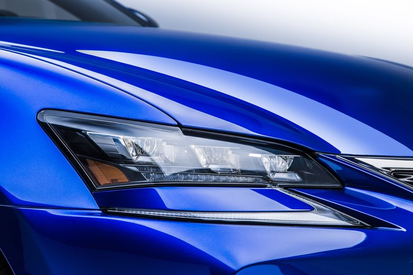 2016_Lexus_GS_F_013