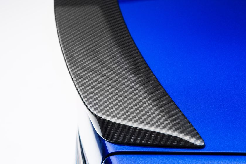 2016_Lexus_GS_F_017