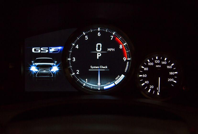 2016_Lexus_GS_F_029