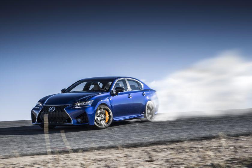 2016_Lexus_GS_F_036