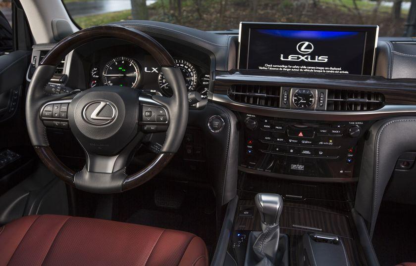 2016_Lexus_LX570-22