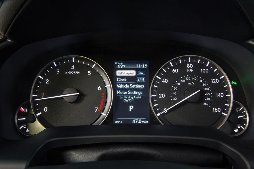 2016_Lexus_RX_350_34
