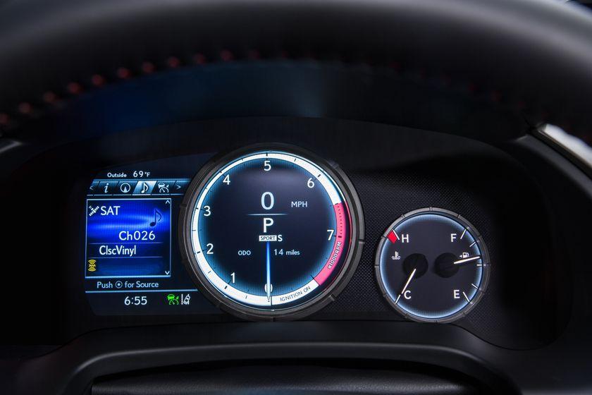 2016_Lexus_RX_350_F_Sport_26