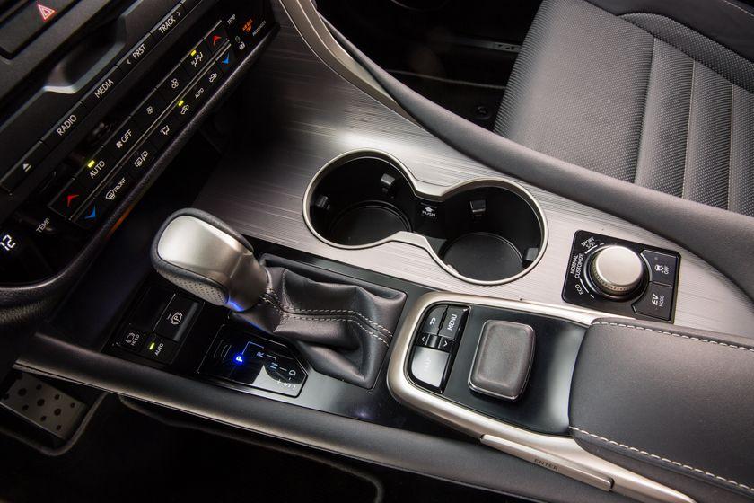 2016_Lexus_RX_450h_F_Sport_24