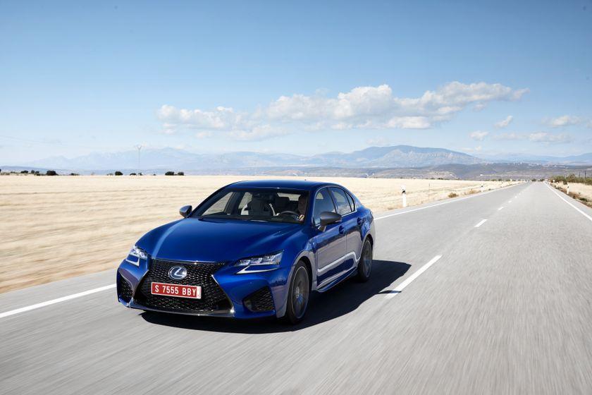 Lexus_GS-F_Blue_06