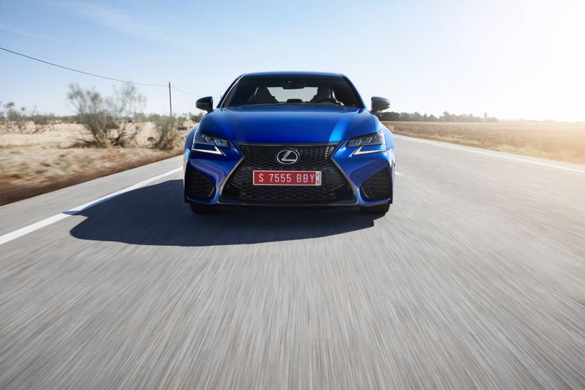 Lexus_GS-F_Blue_07