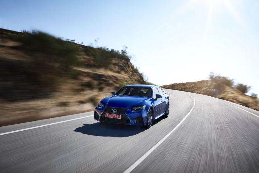 Lexus_GS-F_Blue_10