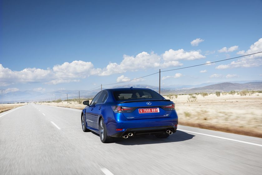 Lexus_GS-F_Blue_12