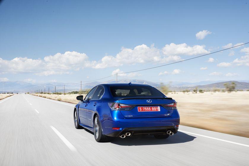 Lexus_GS-F_Blue_14