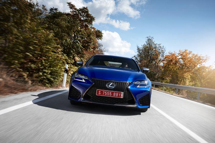 Lexus_GS-F_Blue_15