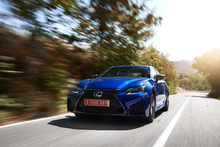 Lexus_GS-F_Blue_16