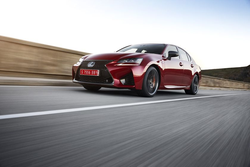 Lexus_GS-F_Red_02