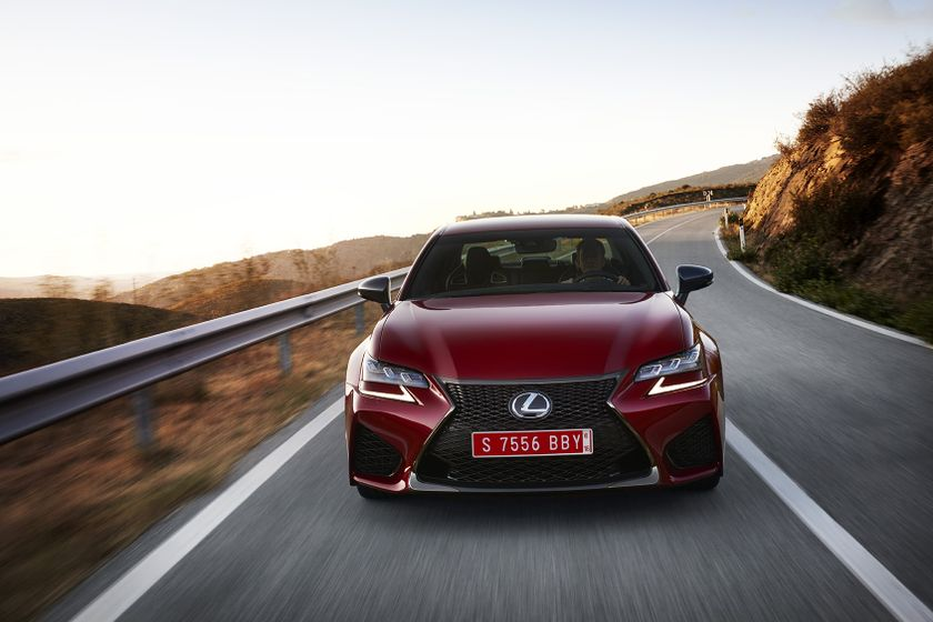 Lexus_GS-F_Red_09