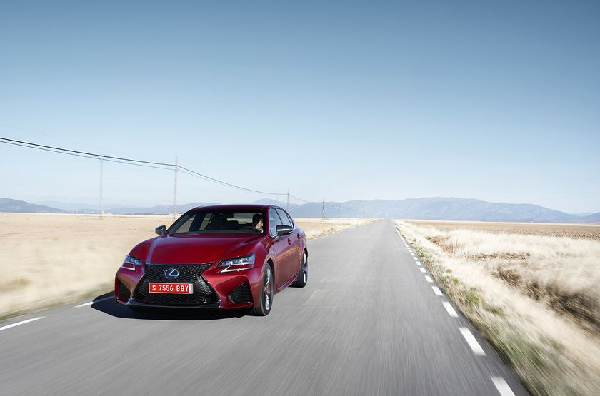 Lexus_GS-F_Red_12