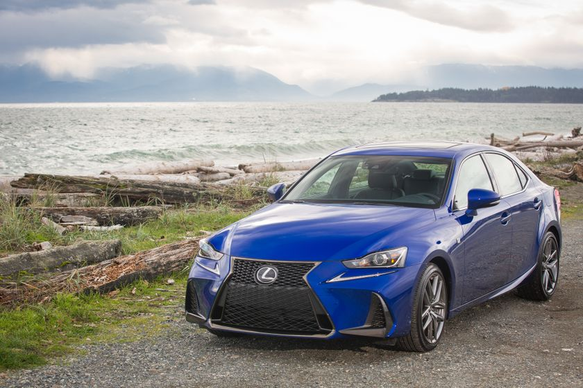 Lexus_200T_High_Res-4735