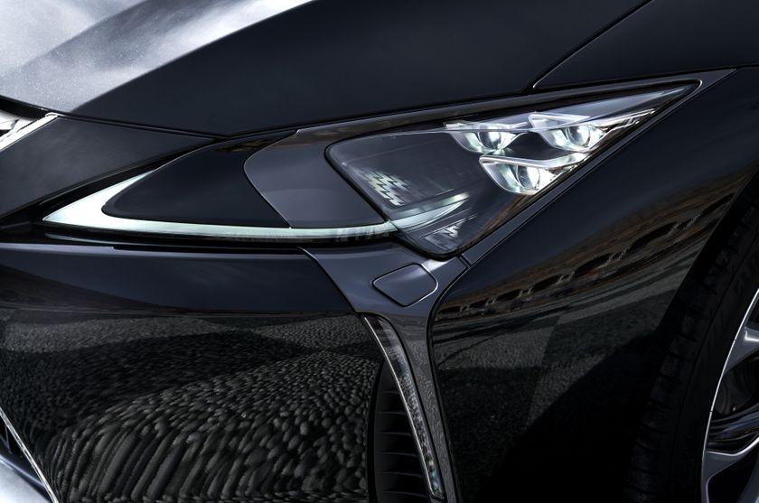 2017_Lexus_LC500h_ExteriorDet_05